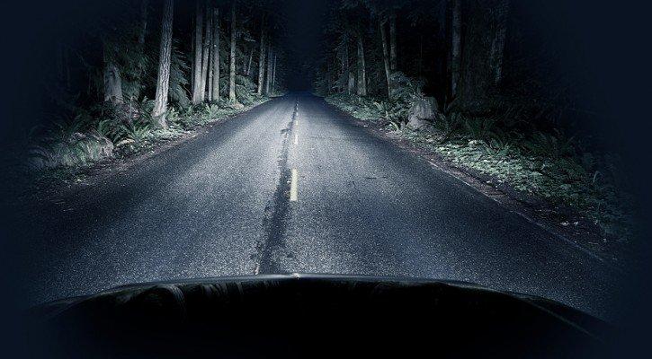 araba far ışıkları