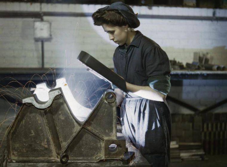 dünya savaşı kadın kaynakçı