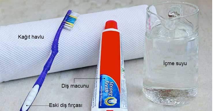 deri koltuklardaki lekelerin diş macunu ile temizlenmesi