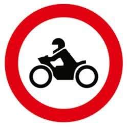 trafik tanzim levhaları motosiklet giremez