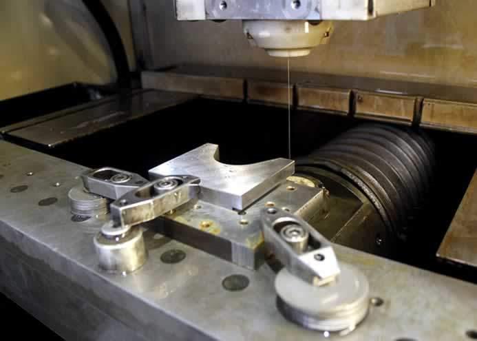 elektro erozyon edm tezgahında kesme