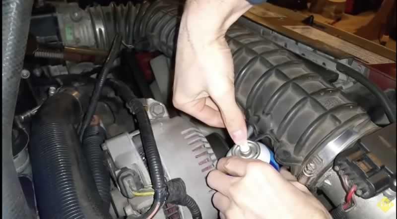 yakıt pompası arıza tespit sıvısı ile kontrol